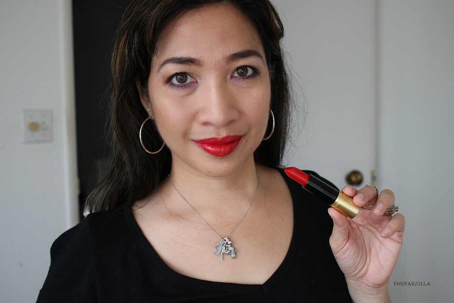 Sephora Collection Disney Minnie Beauty, Minnie's World In Color Eyeshadow Palette Review Swatch, Perfect Red Lipstick Review Swatch