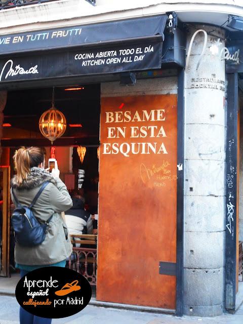 Aprende español callejeando por Madrid: Bésame mucho