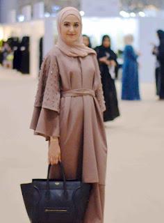 Inspirasi baju lebaran muslimah model brukat coksu