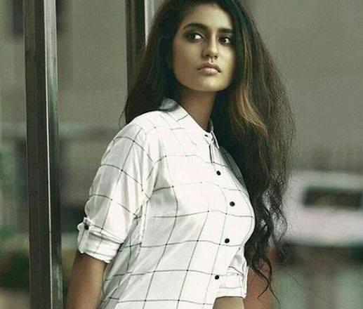 Priya Prakash Varrier Biography, WIKI, Height, Age, Weight, NetWorth, Images