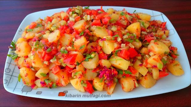 Haşlanmış karışık patates salatası nasıl yapılır Farklı salata tarifleri