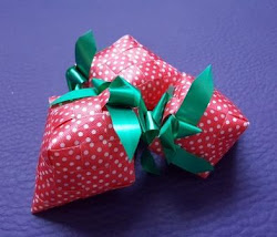 Ketupat Strawberry