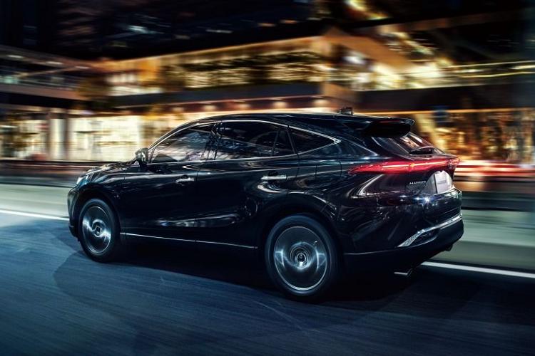 Toyota Harrier 2021 ra mắt thị trường nội địa, từ 652 triệu đồng