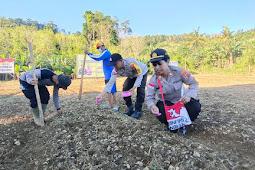 Jaga Ketahanan Pangan Saat Pandemi, Polisi Tanam Benih Kacang Tanah di Koya