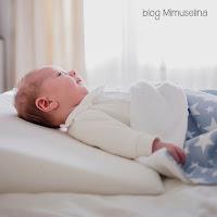 beneficio del uso de cuña anti reflujo para bebés blog mimuselina