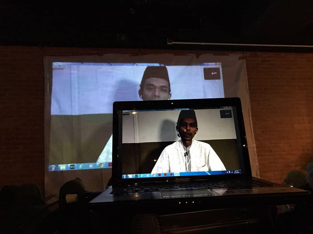 Ditolak Masuk Hong Kong, Ustadz Abdul Somad Isi Kajian Pahlawan Devisa di Hongkong Melalui Skype