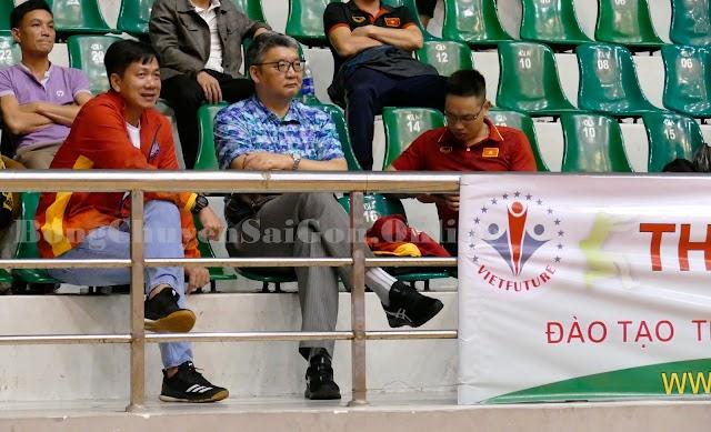 Tài năng trẻ Quốc Duy được HLV Li Huan Ning quan tâm