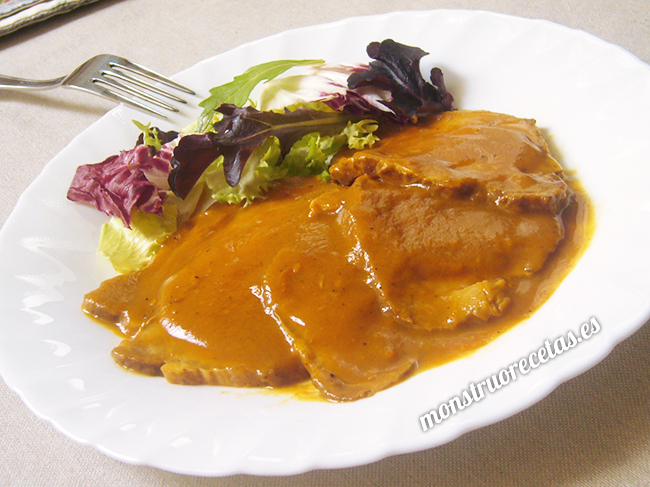 Carne mechada o mechá en salsa. Receta andaluza