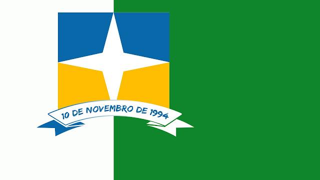Bandeira da Cidade de Davinópolis em cores solidas verde azul e amarelo