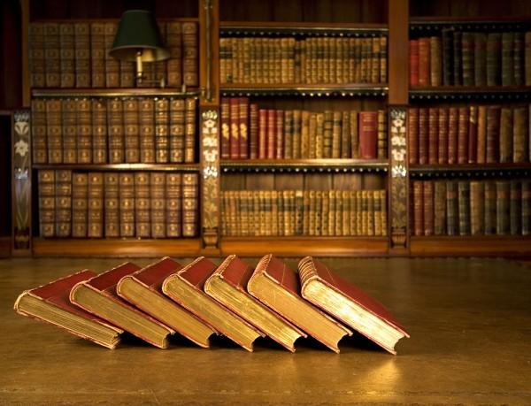 أهم و أروع عشرة كتب فيزيائية في التاريخ