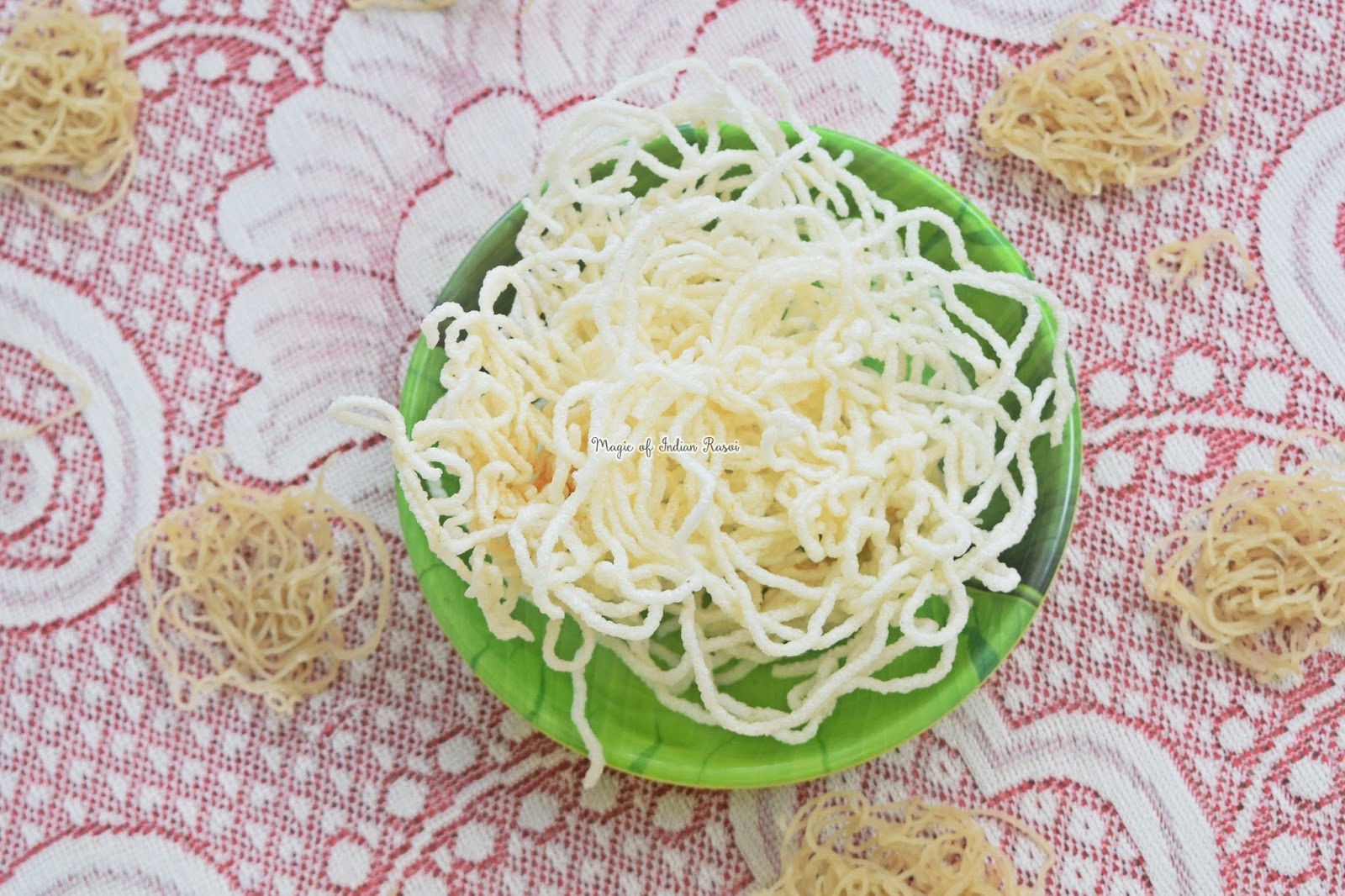 Rice Sev Chips Recipe- तांदळाची कूरड्ई - Rice Laccha Wafers - Tandalachi Kurdai - Priya R - Magic of Indian Rasoi