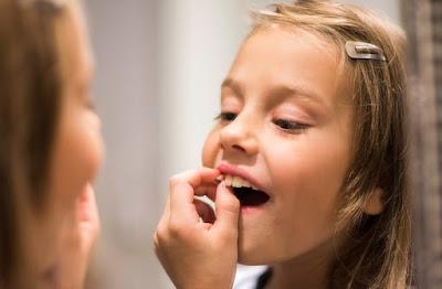 كيف يمكن للأسنان التنبؤ بالصحة العقلية للأطفال ؟