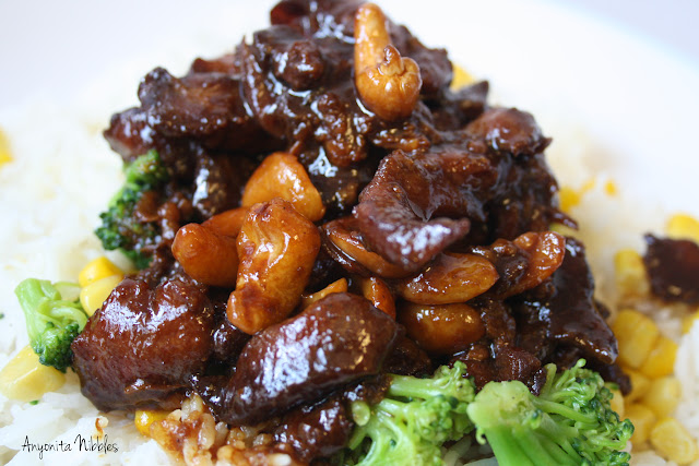 Anyonita Nibbles: Slowcooker Cashew Chicken with Rice, Broccoli and Sweet corn