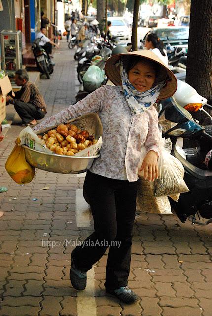 Woman trader Hanoi
