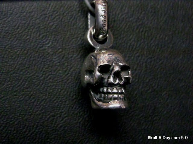 Contest win a good art hlywd sterling silver skull pendant mozeypictures Choice Image