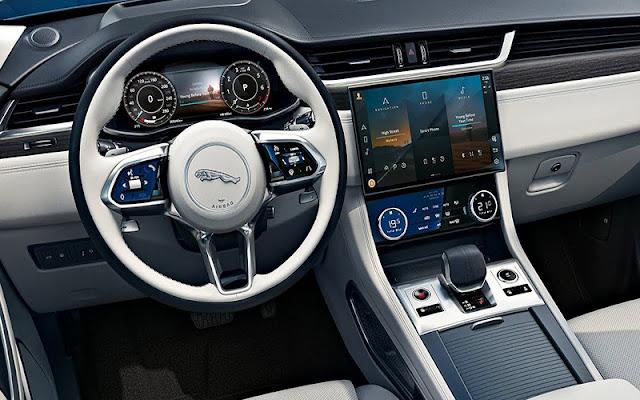 Jaguar F – Pace mang đến nhiều tiện nghi giải trí