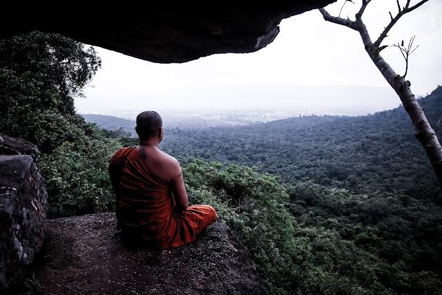 Tour Religi Spiritual di Bangkok Thailand, keindahan dan kedamaian hidup Agama Buddha