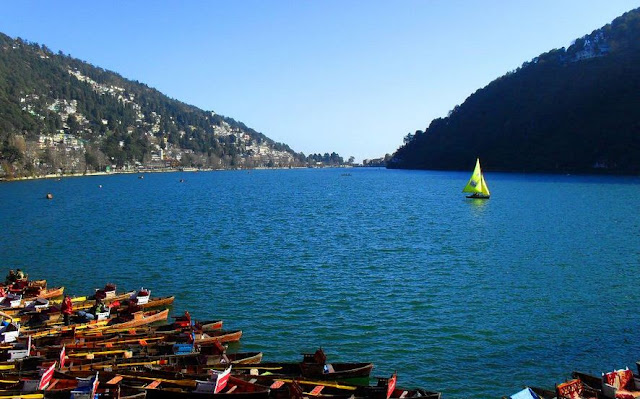 Nainital is the most popular hill stations in India, it attracts the traveler in all sessions.