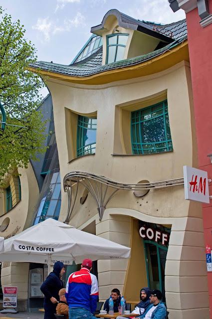 Krzywy Domek Sopot, jak wygląda, zdjęcie