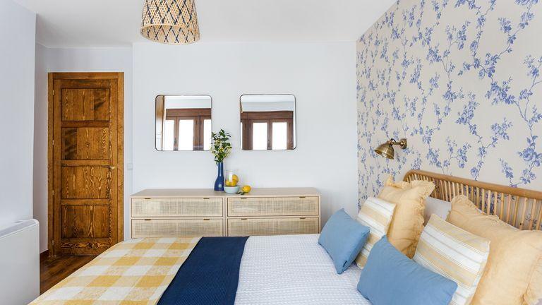 Decoración de dormitorio de estilo rústico