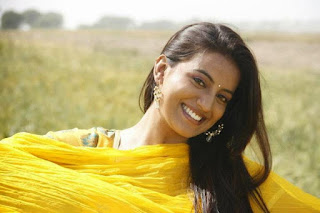 Akshara Singh charges 4-7 lakhs for every film.