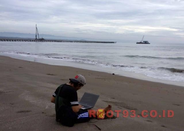 ilustrasi-belajar-online-sekolah