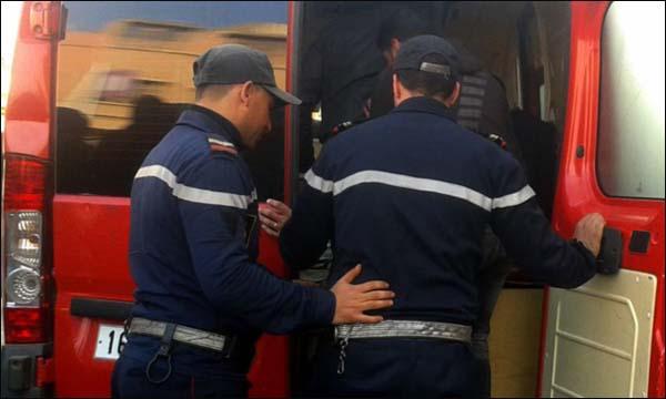 Dangereux .. Coup de couteau envoie un policier à CHishawa en urgence
