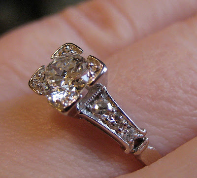 A vintage 1940's diamond engagement ring