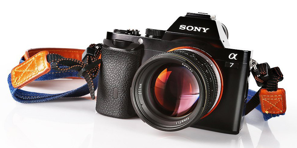Объектив Kamlan 50mm f/1.1 на камере Sony A7
