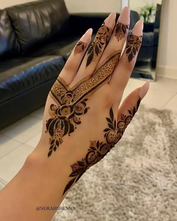 Small-flowers-leaves-henna-pattern