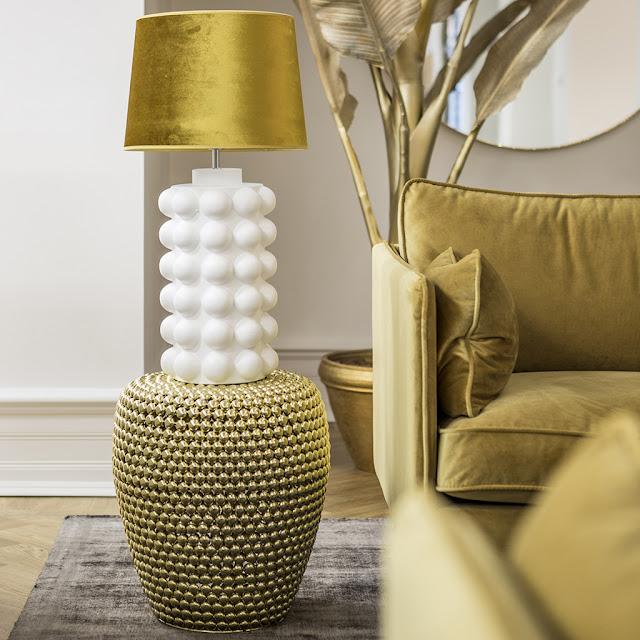 Lampan Bubbles i vit keramik från Hallbergs.