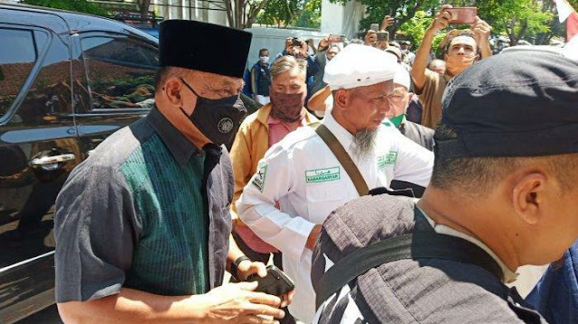 Gatot Nurmantyo Kritik Kendaraan Taktis TNI di Petamburan: Tidak Boleh!