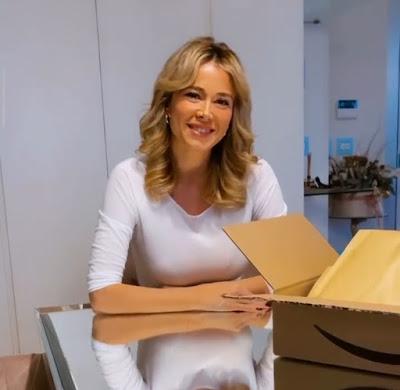 Diletta Leotta promozione libro Amazon a casa tua
