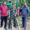 Dansatgas TMMD Dampingi Ketua DPRD Sinjai Tinjau Pembangunan Jembatan Gantung