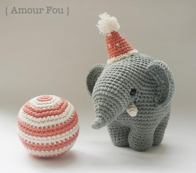 Cuddle Me Elephant crochet pattern - Amigurumi Today | 565x640