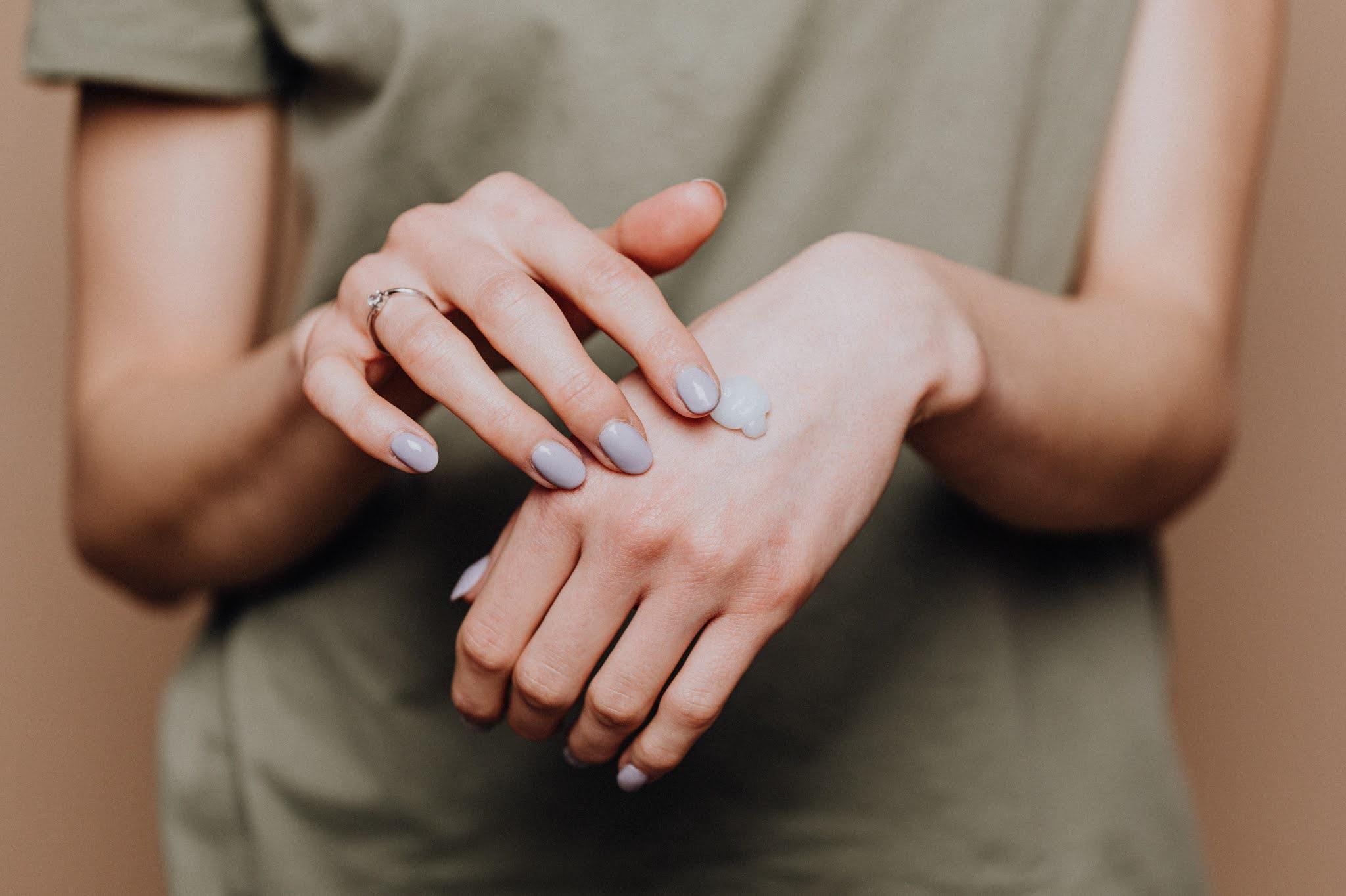 طرق الحفاظ على اليدين
