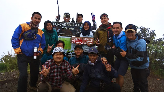 Pendakian Solo Double S (Sindoro & Sumbing) dari Jakarta