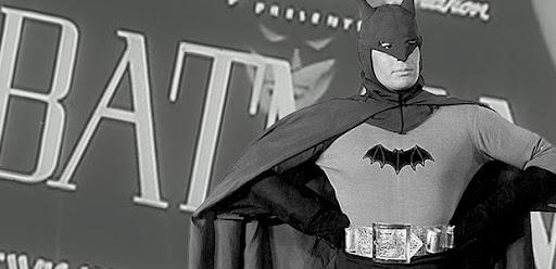 FALANDO EM SÉRIE (DE CINEMA): QUANDO BATMAN CHEGOU AOS CINEMAS (1943)