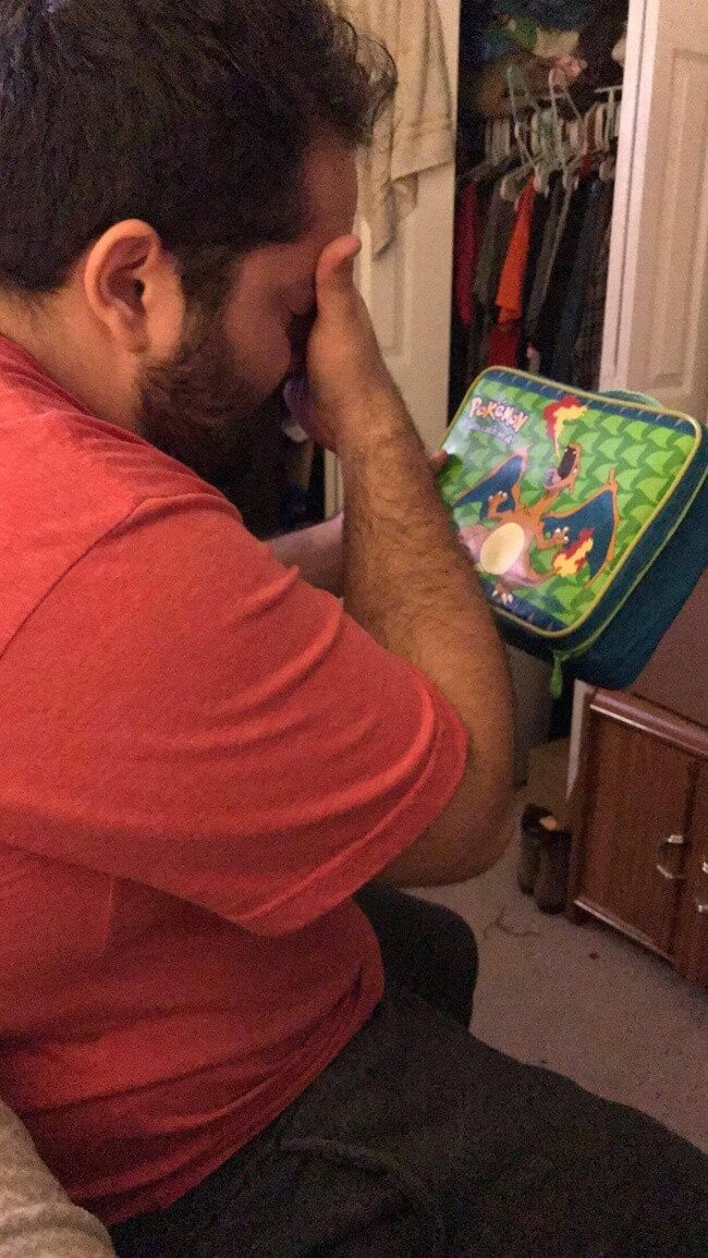 15 Powerful Pictures That Will Make Your Day - 'My boyfriend grew up incredibly poor. He'd always dreamed of a lunch box with Charizard, but they didn't have money to buy it. And I found this lunch box from his childhood and gave it to him.'