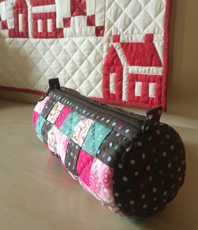 Simple cosmetic bags, patchwork. How to Sew Photo Sewing Tutorial.