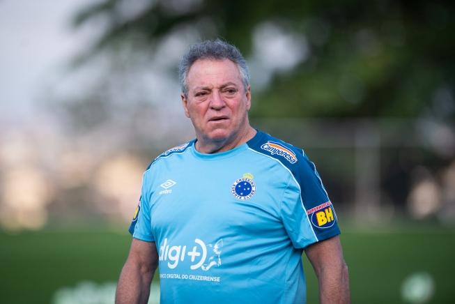Prováveis escalações, dúvidas e desfalques de Chapecoense x Cruzeiro, para o duelo deste domingo