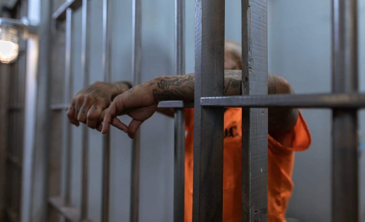 snackenglish, snack, jail, inmate, prisioner, prison