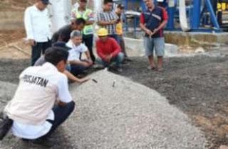 Bahan aspal karet yang berada di asphalt mixing plant (AMP)