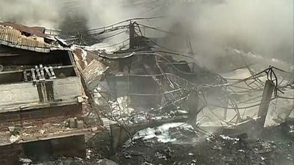 Kochi, News, Kerala, Fire, Ernakulam, Factory, Destroy, Waste, Fire force, Rubber factory, Ernakulam factory destroyed in fire