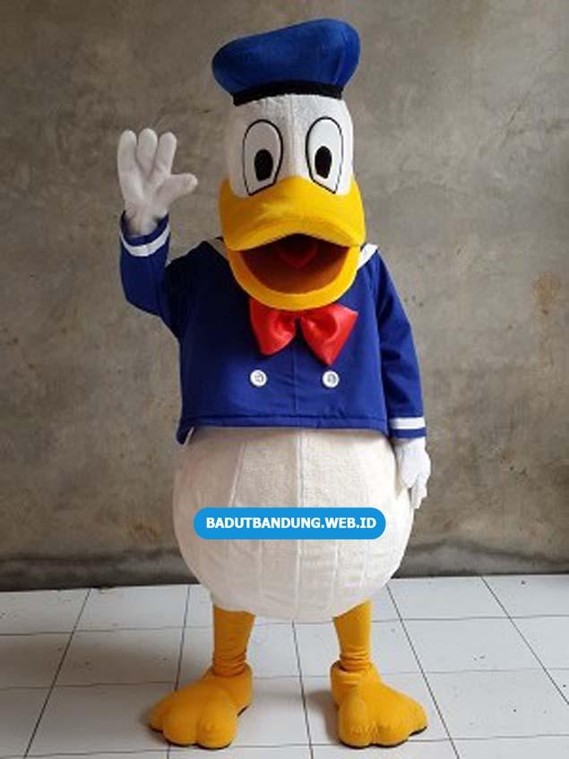 Badut Donald Duck