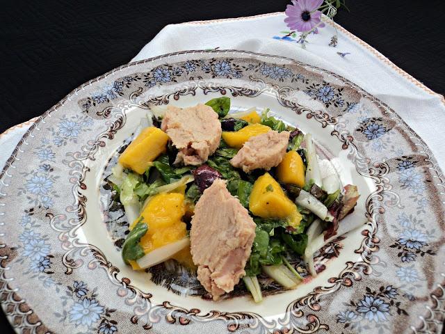 ensalada-atún-mango-vinagreta-chardonnay-cerca