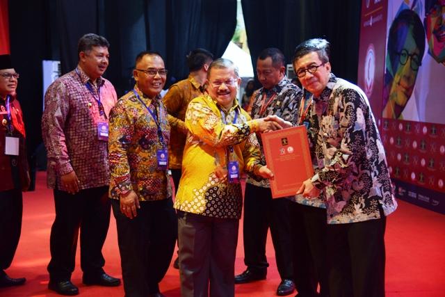 Padang Pariaman Peduli HAM Tahun 2018, Terima Penghargaan Dari Mentri Yasonna Laoly