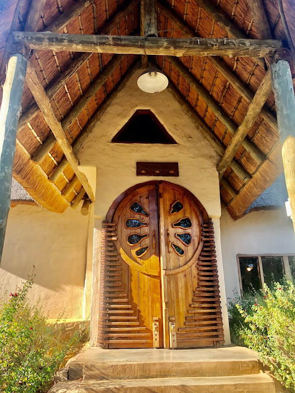 Affordable Drakensberg accommodation, Drakensberg hotel, Antbear Lodge