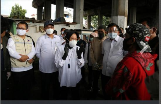 Tokoh NU Sindir Risma yang Masuk Kolong Jembatan: Gak Laku Lagi Model Jokowi Dulu Bu