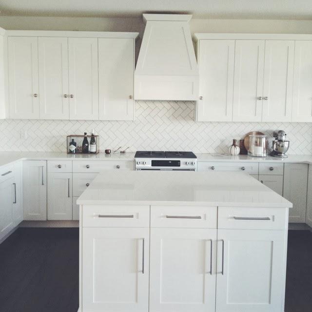 White Kitchen Cabinets Countertops: The Granite Gurus: Whiteout Wednesday: 5 White Kitchens
